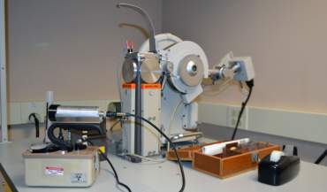 X-ray powder diffractometer.