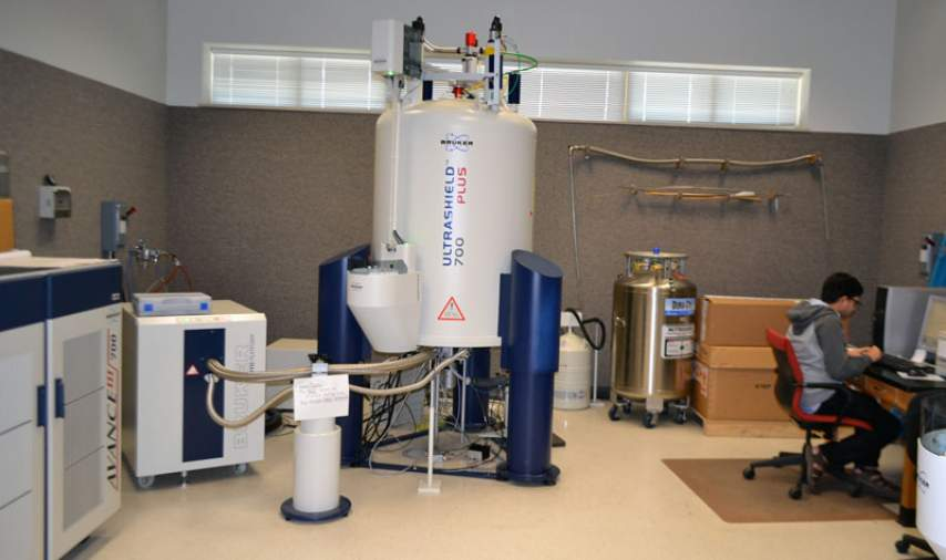 700 MHz 52 mm solution state NMR system.