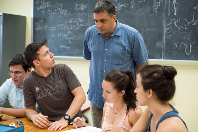 MagLab physicist Irinel Chiorescu teaches a physics lab at Florida State University.