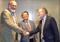 MagLab Director Greg Boebinger (left) with Hideaki Madea, director of the RIKEN Center for Life Science Technologies (center) and David Larbalestier, director of the MagLab's Applied Superconductivity Center.